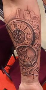 Tatouage Montre A Gousset Avant Bras : le tatouage sur le bras d 39 alexy pendant le cezanne tattoo ink 2014 graphicaderme ~ Carolinahurricanesstore.com Idées de Décoration