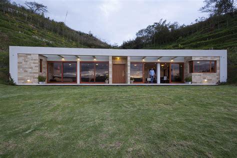 ranch style homes interior casa una planta moderna con techo verde construye hogar