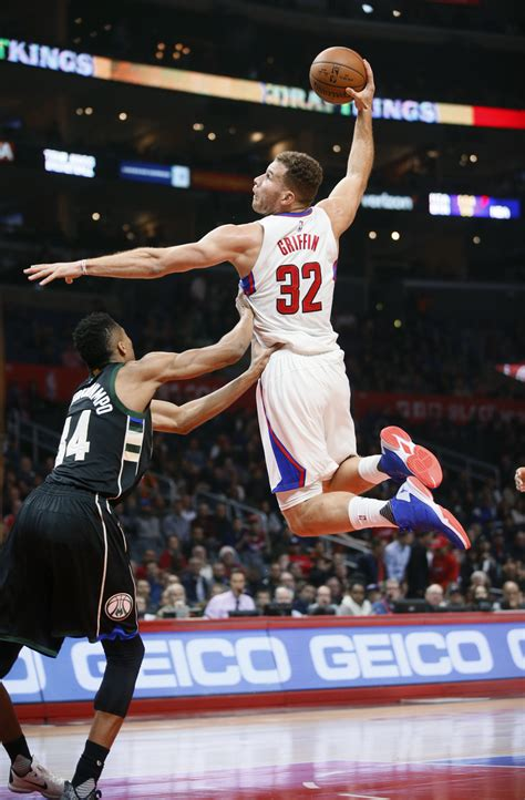 clippers blake griffin     weeks  breaking