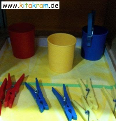 angebote für krippenkinder farben aktionstabletts in krippe kindergarten oder hort