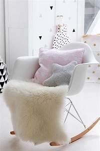 les 25 meilleures idees concernant deco chambre de fille With affiche chambre bébé avec fauteuil fleur design