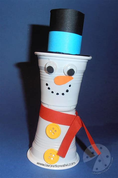 pupazzo di neve con bicchieri di carta lavoretti inverno pupazzo di neve con bicchieri di