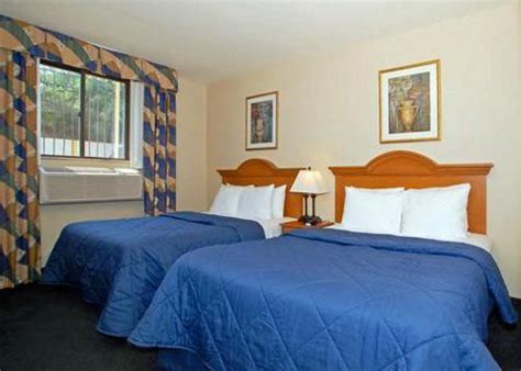 comfort inn jfk comfort inn jfk international airport jamaica deals see