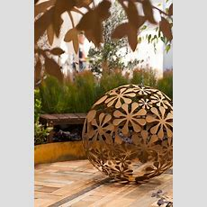 Laser Cut Metal Garden Sculpture Decorative Flower Ball