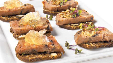 cuisiner chanterelles canapés à la mousse de canard recettes iga bouchées