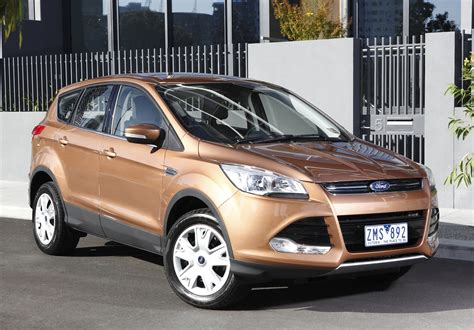 Ford Car : 2013 Ford Kuga Review