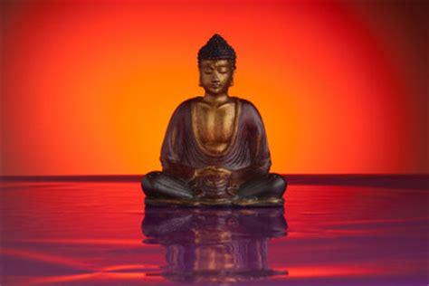 buddha figuren fuer asiatische wohnungsgestaltung selber machen