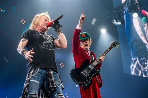 axl rose und ac dc ac dc axl rose concert at madison square garden memorable