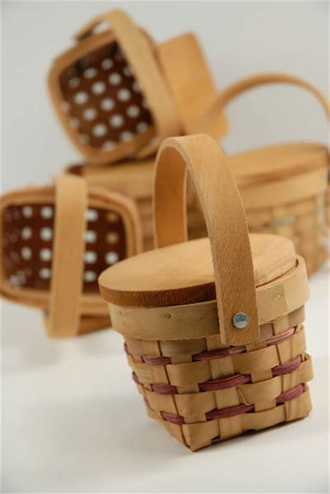 tiny   chipwood picnic baskets crafts country
