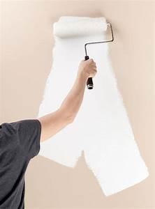 Wände Streichen Tipps : decke und wand streichen so wird 39 s gleichm ig wei sch ner wohnen ~ Eleganceandgraceweddings.com Haus und Dekorationen