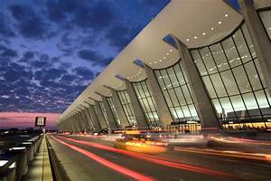 Welcome to Dull... Dulles Airport