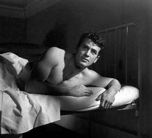 Rock-Hudson-Shirtless / Queerty
