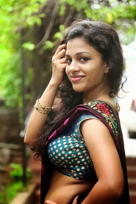 Special For All Kerala Mallu Aunty Chaitra Exposing Hot
