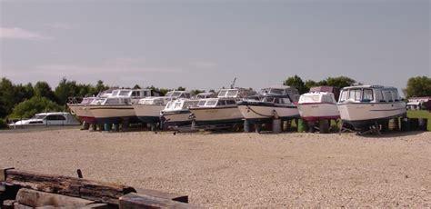 Dave S Boat Yard by Boat Yard At Wyre Piddle 169 Dave Bushell Cc By Sa 2 0