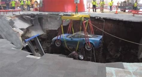 corvette museum sinkhole dirt corvettes emerge from museum sinkhole blue