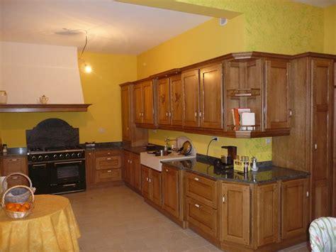 plan de travail cuisine chene cuisine rustique en chêne massif cuisines liebart