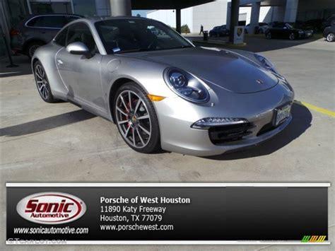 2018 Platinum Silver Metallic Porsche 911 Carrera 4s Coupe