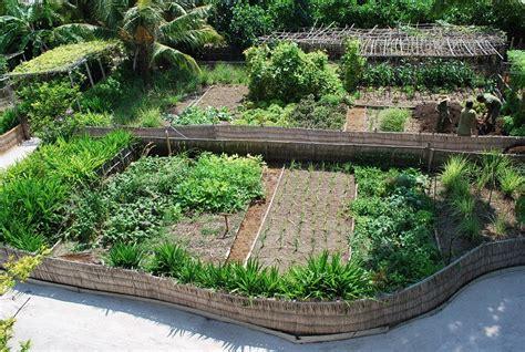 Garden Decoration Courses by Castlemaine Community House 187 Post Permaculture Design