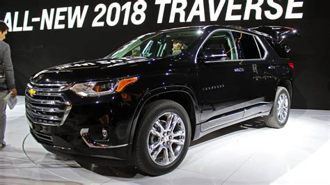 chevrolet crossover 2018 chevrolet traverse suv debuts with photos