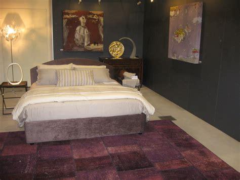 tappeto viola mostra abitare la casa morandi tappeti