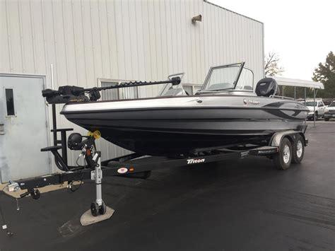 Triton Boats Linkedin by 2017 New Triton Boats 206 Ski And Fish Boat For