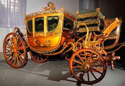 carrozze cavalli usate le carrozze in un museo a firenze viaggi a firenze