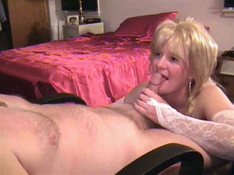 Getting An Amazing Blowjob From My Sizzling Hot Mature
