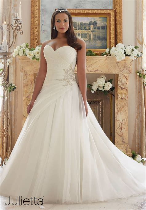 wedding dresses for curvy women opiumsymphony com