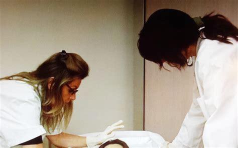 chambre mortuaire hopital à l hôpital ces soignants qui préparent nos morts pour