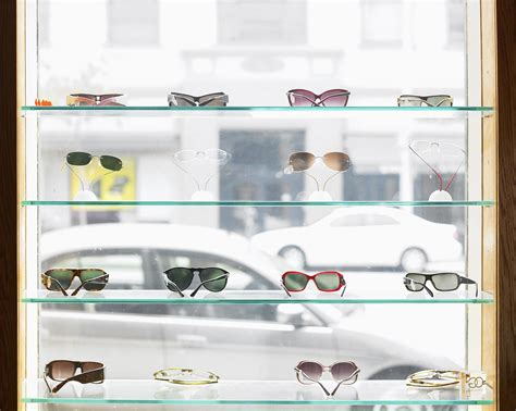 Types And Features Of Eyeglass Lens Materials