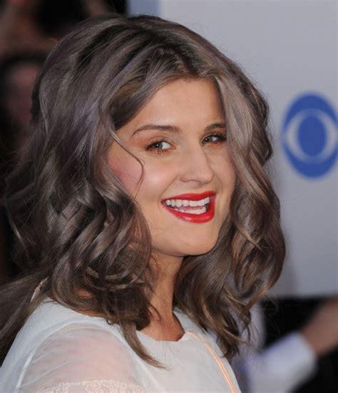Couleur Gris Cheveux Mode Pour Femme Couleur Cheveux Gris