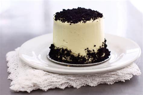 mini black velvet  degrees catering confectionery