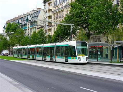 image paris tram  flickr user metro centric