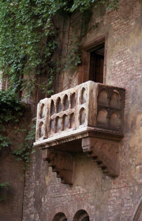 juliets balcony verona italy wonderful town full