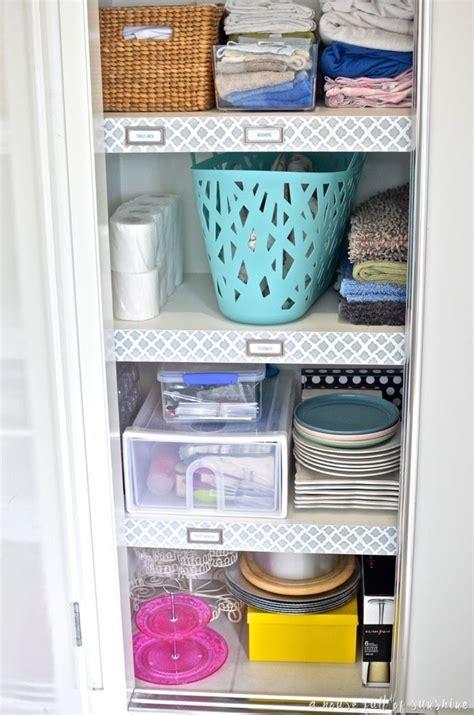 Linen Cupboard Organisation by Best 25 Linen Cupboard Ideas On Bathroom