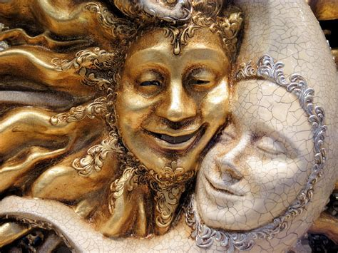 masks gold venice  photo  pixabay