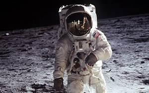 Neil Armstrong First Man On the Moon - Pics about space