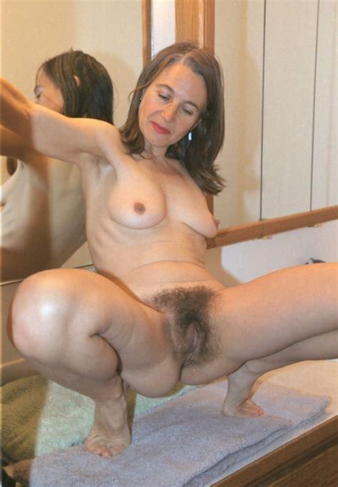 Mature pussy   BlackBoxxx