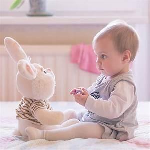 Photo De Bébé Fille : b b a 9 mois veil progr s et alimentation d 39 un b b ~ Melissatoandfro.com Idées de Décoration