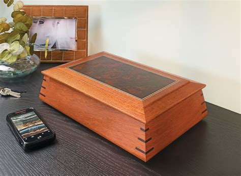 contoured keepsake box woodworking project woodsmith plans