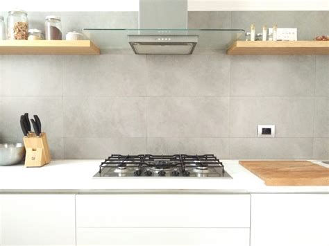 mensole cucina ikea pin 4 mensole di legno per una cucina senza pensili