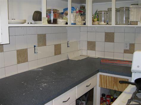 Alte Küchenfliesen  Entfernen Oder Streichen Lassen?