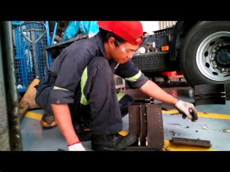 volvo truck assembly brake lining youtube