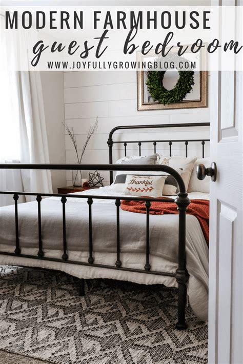style  modern farmhouse guest bedroom