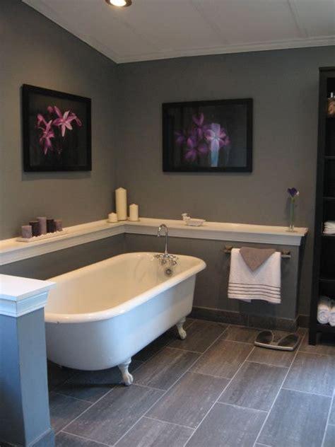 Decorating Ideas Tub Surround by Best 25 Decorating Around Bathtub Ideas On