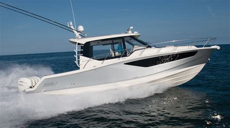 boat review boston whaler  conquest power