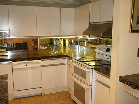 kitchen backsplash mirror mirrored kitchen backsplashes