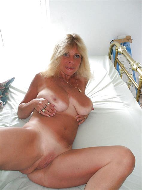 Tanlines Blonde Thumb