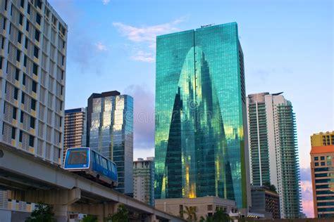 edifici per uffici lussuose di lungomare immagine stock immagine di
