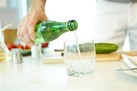Acqua In Bottiglia O Rubinetto Meglio Bere Acqua In Bottiglia O Rubinetto